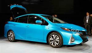 Prime Voiture Hybride 2017 : 2019 toyota prius v review and engine specs toyota suggestions ~ Maxctalentgroup.com Avis de Voitures