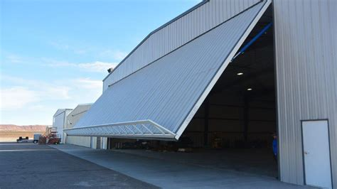 aircraft hangar doors power lift hydraulic doors