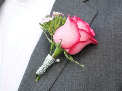 diy wedding bouquet and boutonniere this tale