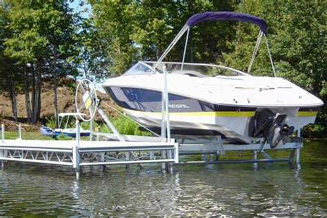 Boat Lift Prices Ontario by Boat Lifts Hydraulic Manual Vertical Cantilever