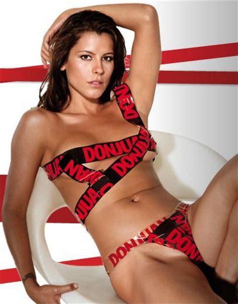 Videos de mujeres gordas desnudas strip foto 35