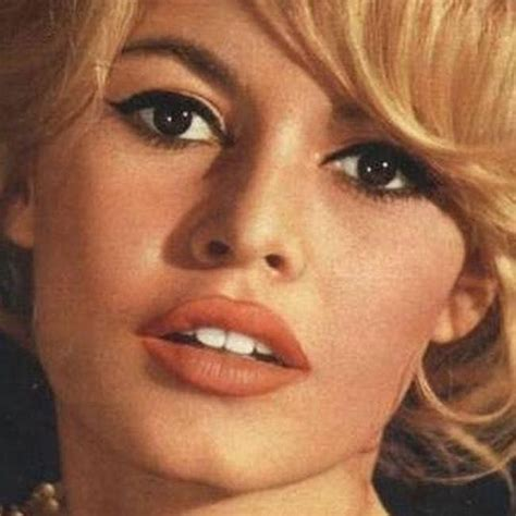 brigitte bardot  beautiful actresses  famous