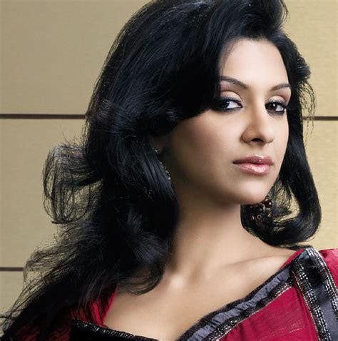 best indian hair styles top best indian hairstyle for saree