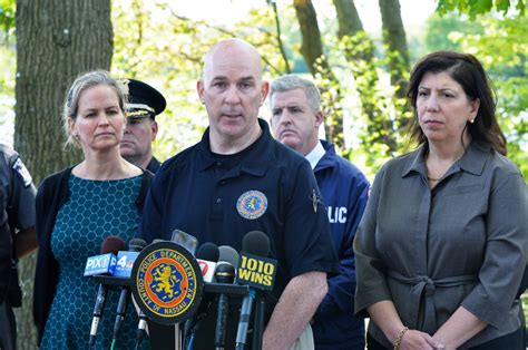 body  suspected ms  victim discovered  long island park
