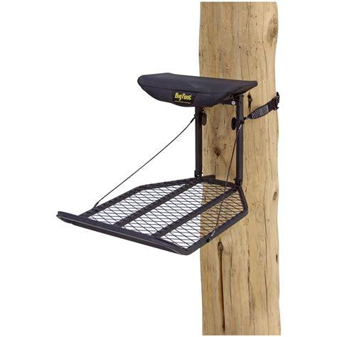 foot pump tree holder rivers edge big foot xl hang on tree stand 667265 hang on tree stands at sportsman s guide