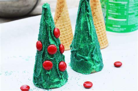 edible christmas craft  kids christmas tree cones