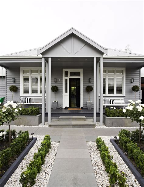 top  tips  renovating  resale house paint exterior weatherboard house facade house