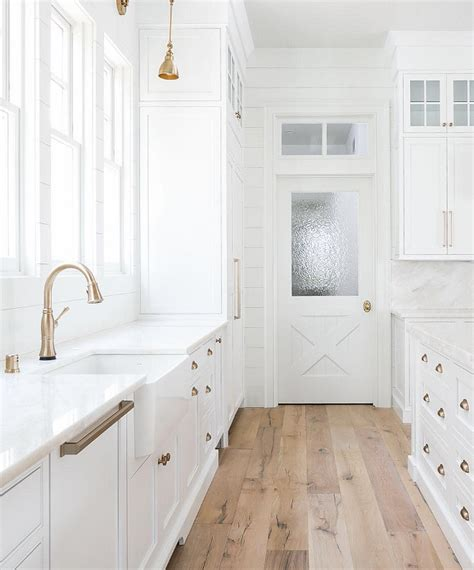 flooring for white kitchen 37 beautiful farmhouse interior designs the home 3463