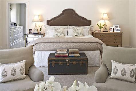bedrooms  wow  mismatched nightstands