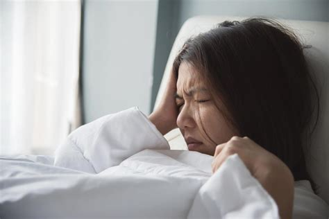 headaches at before bed headache on the right side causes meaning and tips for