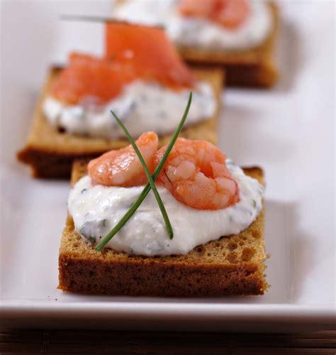 cuisine plus recettes toasts de d épices au saumon et crevettes les
