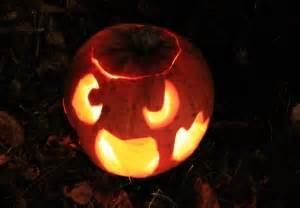 Une Citrouille Pour Halloween : sculpter une citrouille pour halloween ~ Carolinahurricanesstore.com Idées de Décoration