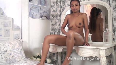 The Ebony Beauty Alishaa Mae Strips Naked In Bed Porn 09