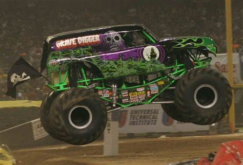 monster truck video for bring you some great pictures of the crazy grave digger