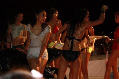 Foto Menantang Hot Spg Bahenol Berita Heboh Cerita Terbaru Cerita Sekscerita Dewasa Cerita