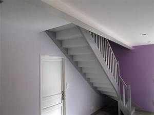 Escalier repeint en gris meilleures images d39inspiration for Couleur gris clair peinture 11 escalier repeint et montee descalier relooke