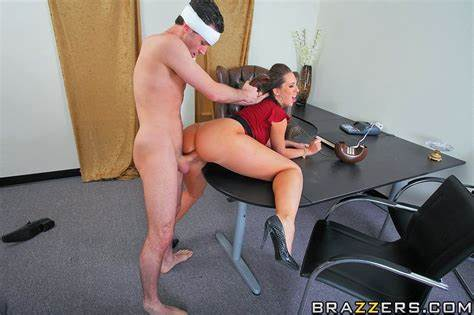 Angry Pornstar Punish Her Dad Chesty Pigtail Kelly Divine Take Her Massive Snatch Mercilessly
