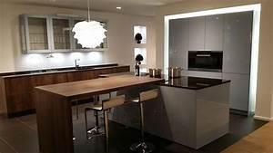 davausnet cuisine grise et bois avec ilot avec des With idee deco cuisine avec cuisine Équipée et aménagée
