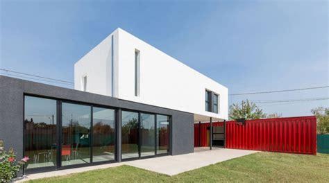 construire sa maison avec des containers maritimes