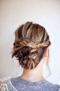 Chignon Cheveux Mi Long : coiffure cheveux mi longs en chignon tress automne hiver ~ Melissatoandfro.com Idées de Décoration