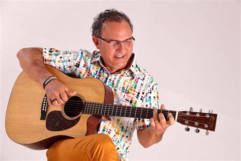 foto de Enrico Di Miceli apresenta para o público amapaense o