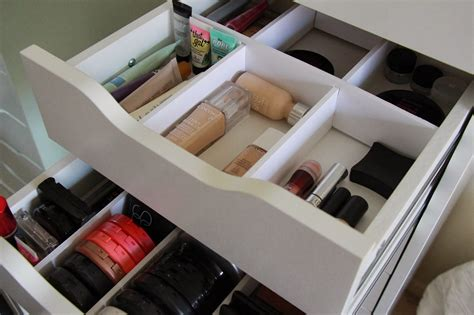 Unique Makeup Organizer Ideas To Store Your Makeup. Small Oval Coffee Table. Childrens Tables. Best Lighting For Computer Desk. Metal Patio Dining Table. Dining Room Table Benches. Marble Desk Name Plates. High Desk. 2 Drawer Storage Unit