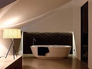 Badezimmer Gestalten Dachschräge : bad modern gestalten mit licht freshouse ~ Markanthonyermac.com Haus und Dekorationen