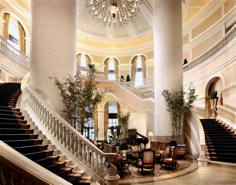 What Defines a Luxury Hotel?