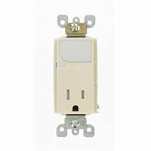 Leviton Decora 15 Amp Combination Single Outlet With Led