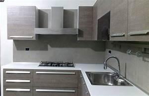 Pannelli per rivestimento pareti cucina designs parete for Piastrelle parete cucina