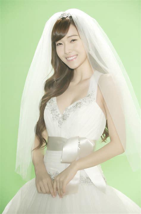 snsd jessica  elegant wedding dress  shows cleavage