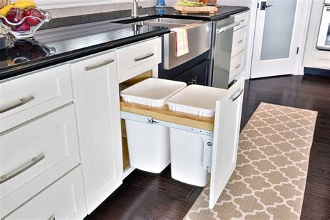 how to build kitchen cabinets 1000 ideas about trash can cabinet on kitchen 7199