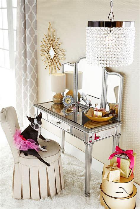 Glass Vanity Makeup Table by Best 25 Mirrored Vanity Ideas On Mirrored
