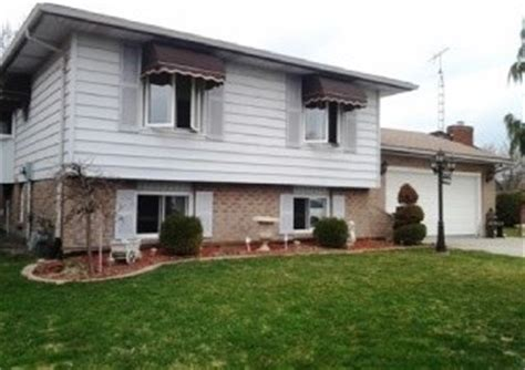 Need Help With Updating The Exterior Of This Bilevel