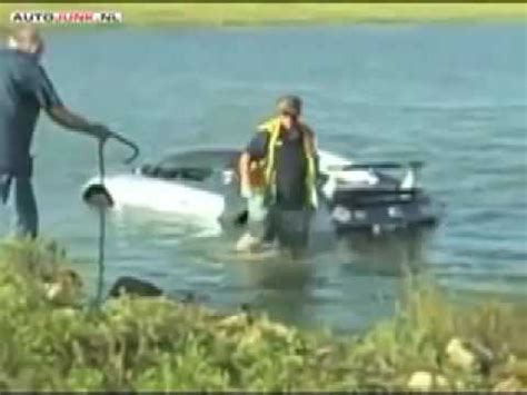 Bugatti Into Lake by Drives World S Most Expensive Car Bugatti Veyron