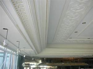 plafond moulure best moulures en pltre au plafond photo With amazing peindre des poutres au plafond 8 poser des fausses poutres plafond