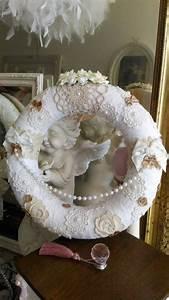 Shabby Chic Accessoires : couronne shabby chic dentelles napperons style shabby chic accessoires de maison par les ~ Markanthonyermac.com Haus und Dekorationen