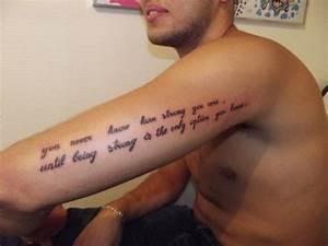 Phrase Tatouage Sur La Force : tatouage ecriture homme clavicule ~ Melissatoandfro.com Idées de Décoration