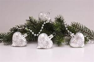 Weihnachtskugeln Aus Lauscha : 4 herzen silber glanz mattes band christbaumkugeln ~ Orissabook.com Haus und Dekorationen