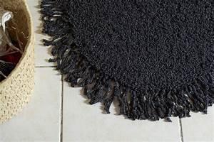 Tapis A Frange : tricot un tapis ovale franges apodioxe ~ Teatrodelosmanantiales.com Idées de Décoration