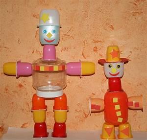 Bricolage A Faire Avec Des Petit : robots fabriqu s avec des pots de petits suisses et ~ Melissatoandfro.com Idées de Décoration