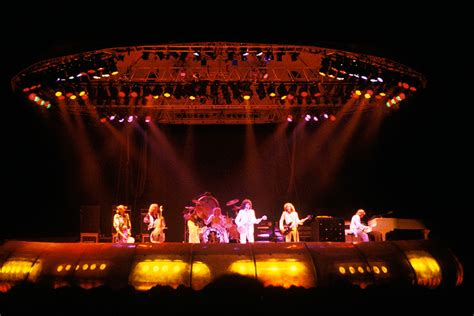 electric light orchestra tour elo what their in concert performance tells us