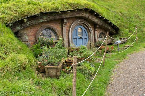 hobbit house happy medium studios lord of the rings hobbit homes