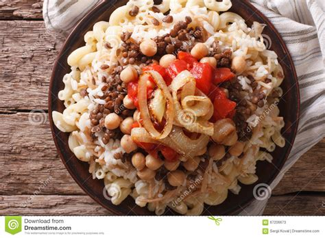 cuisine egyptienne cuisine kushari up on the plate