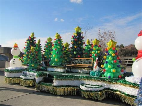 easy christmas parade float ideas christmas float ideas