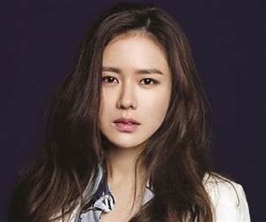 Son Ye-jin Biography - Facts, Childhood, Family Life ...