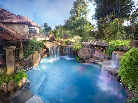 Beautiful Backyard This Pool Is Amazing