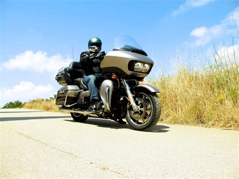 Gambar Motor Harley Davidson Road Glide Ultra by Harley Davidson Road Glide Ultra Elmotordegirona Cat