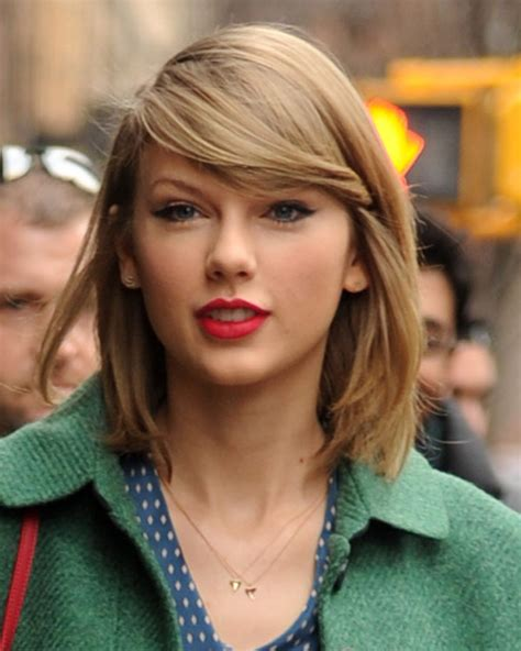 Taylor Swift's Earrings — Get Her Stylish Initial Studs ...