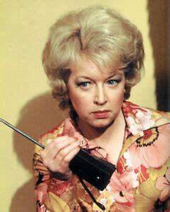 June Whitfield UNSIGNED photo -L1025- Absolutely Fabulous ...